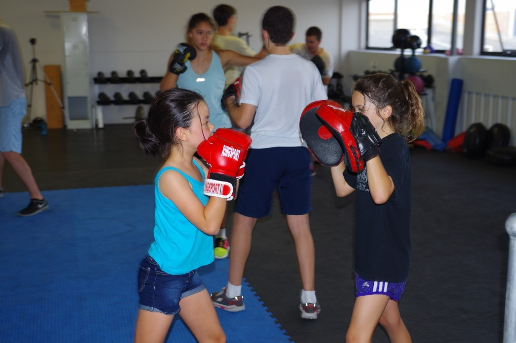 Girls training at Premier boxing club kids class